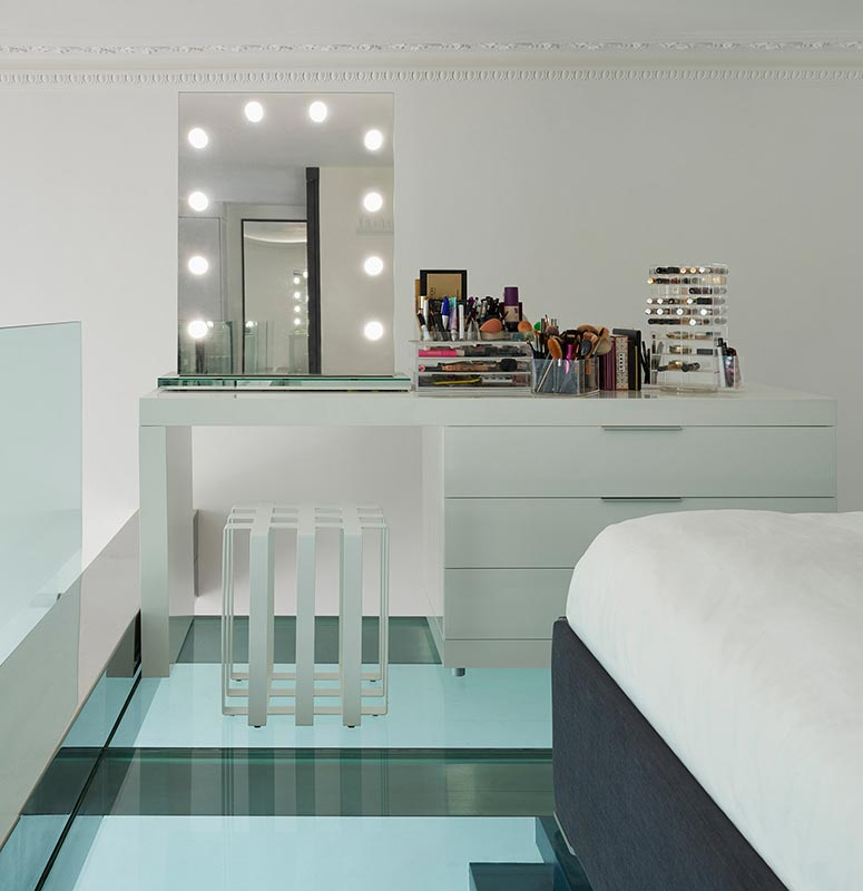 Ensoul Earls Court Glass Mezzanine Make Up Station Hollywood Mirror dressing table Master Bedroom