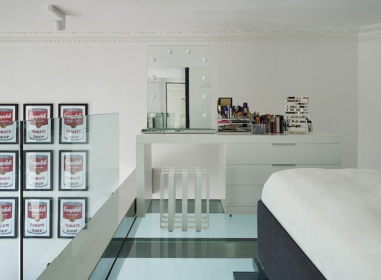 Dressing table hollywood mirror