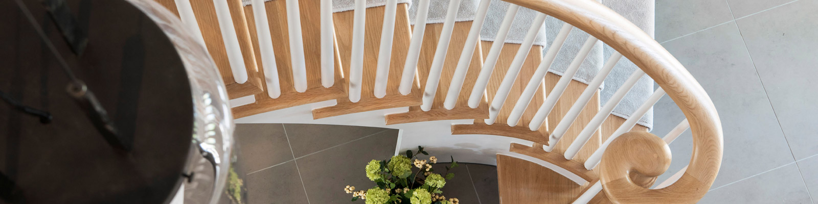 Ensoul New Build Staircase Sweeping staircase oak handrail staircase pendant 2