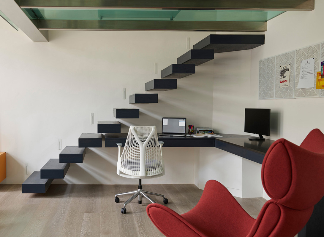 By Ensoul EC Home Study Built in desk cantilever staircase floating staircase