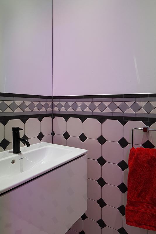 Ensoul WCNS basement WC victorian tiling black and white bathroom