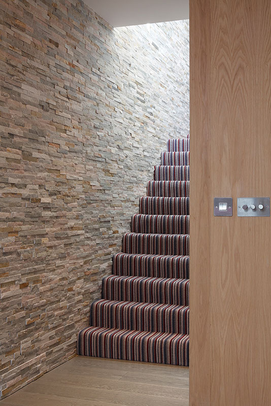 Ensoul basement under garden basement staircase wall cladding